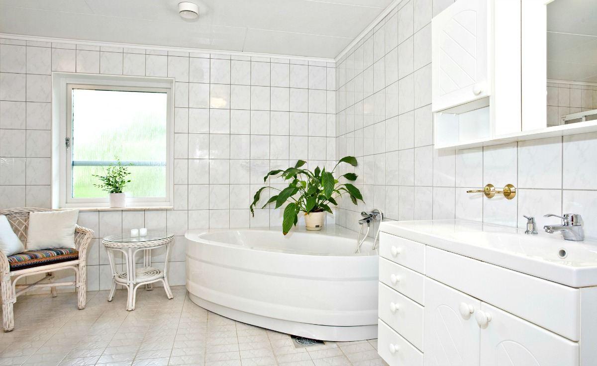bathroom renovations that improve home value