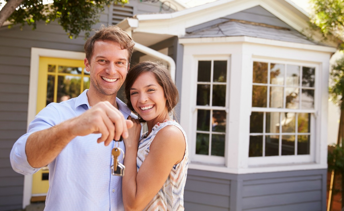 how to sell and buy a house at the same time - buying your new home first