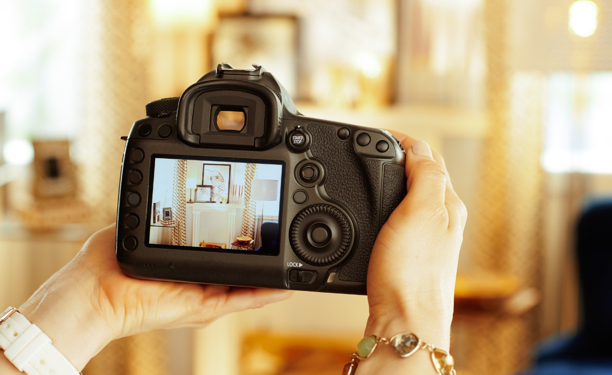 how to sell a house fast - with professional photography